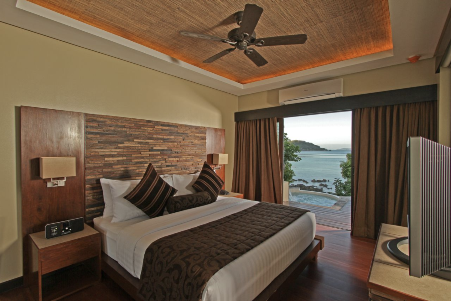 room at two seasons island resort in coron