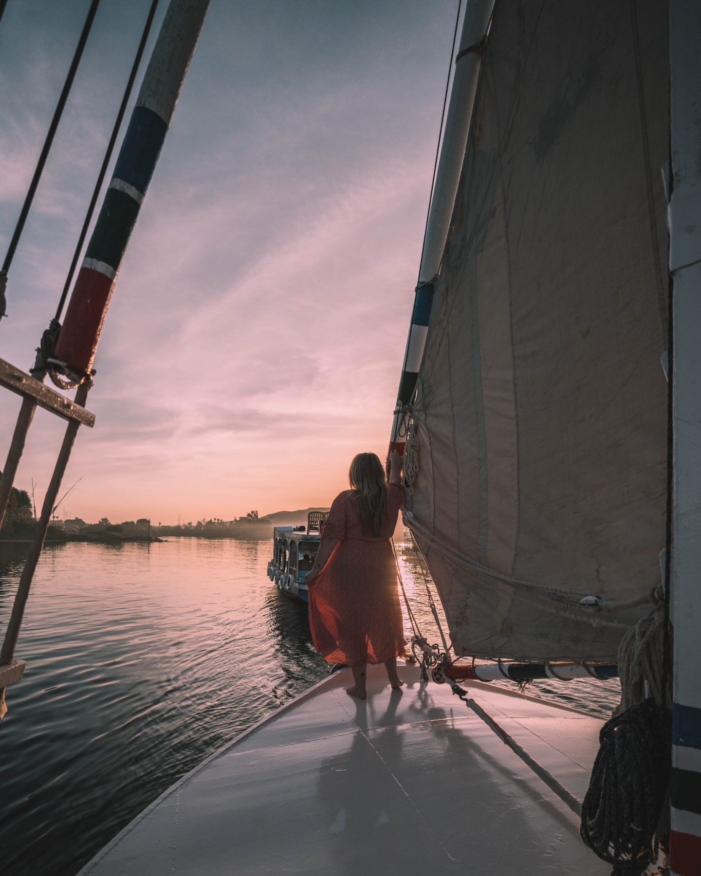 felucca ride on the nile river during sunset | egypt itinerary
