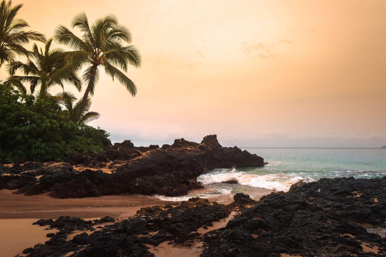 maui itinerary 5 days - makena beach at sunset