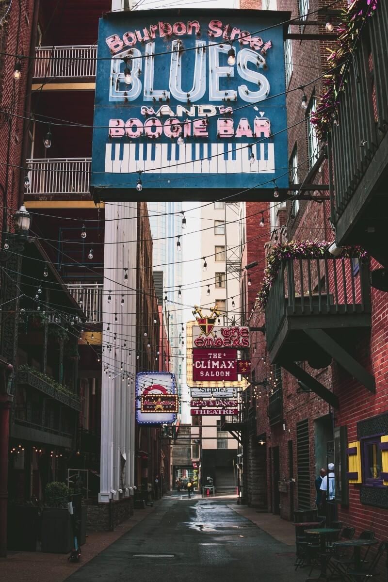 Empty Printers Alley in Nashville 3 days in Nashville