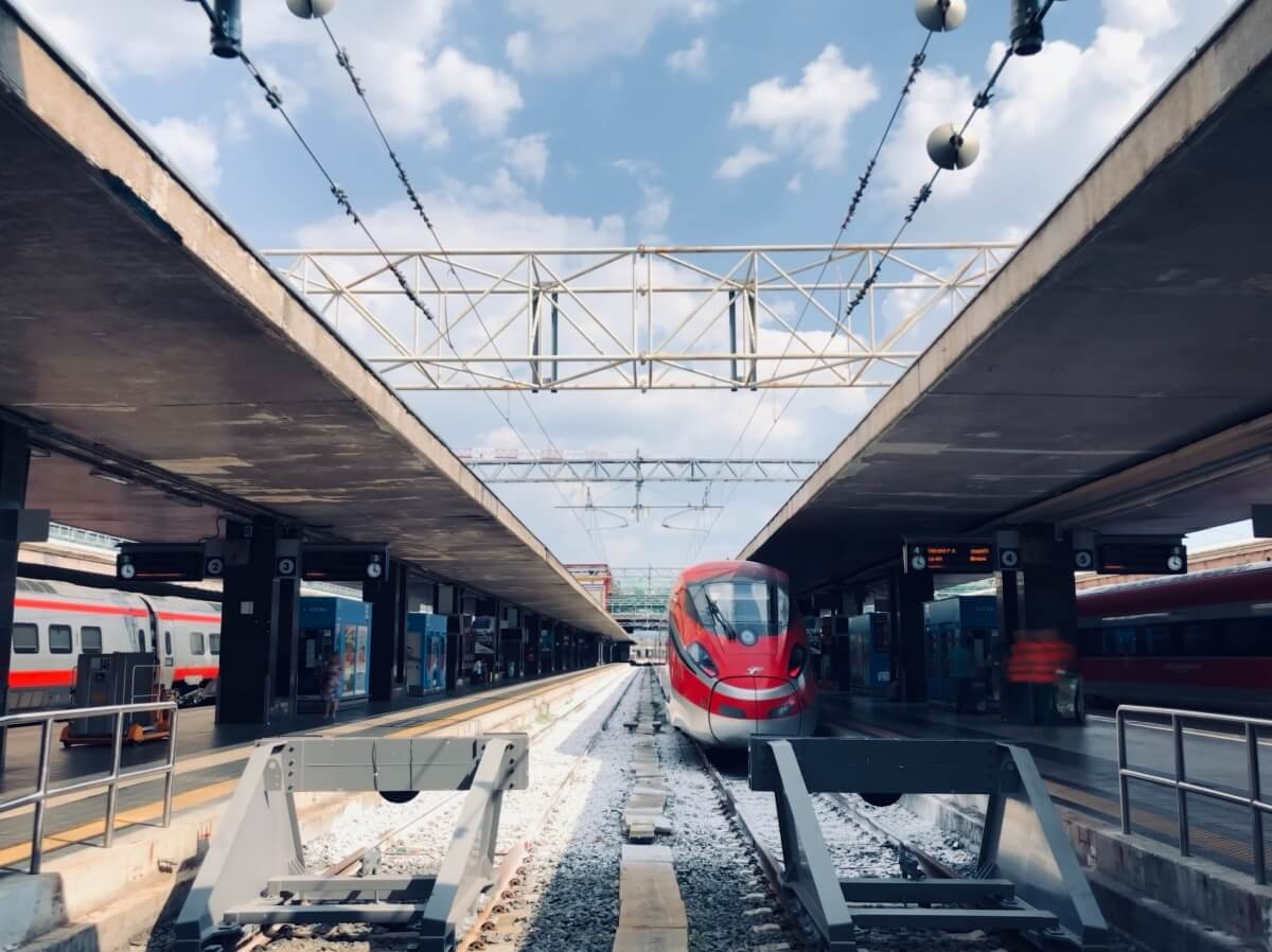 rome termini train station how to travel around during a 10 day italy itinerary