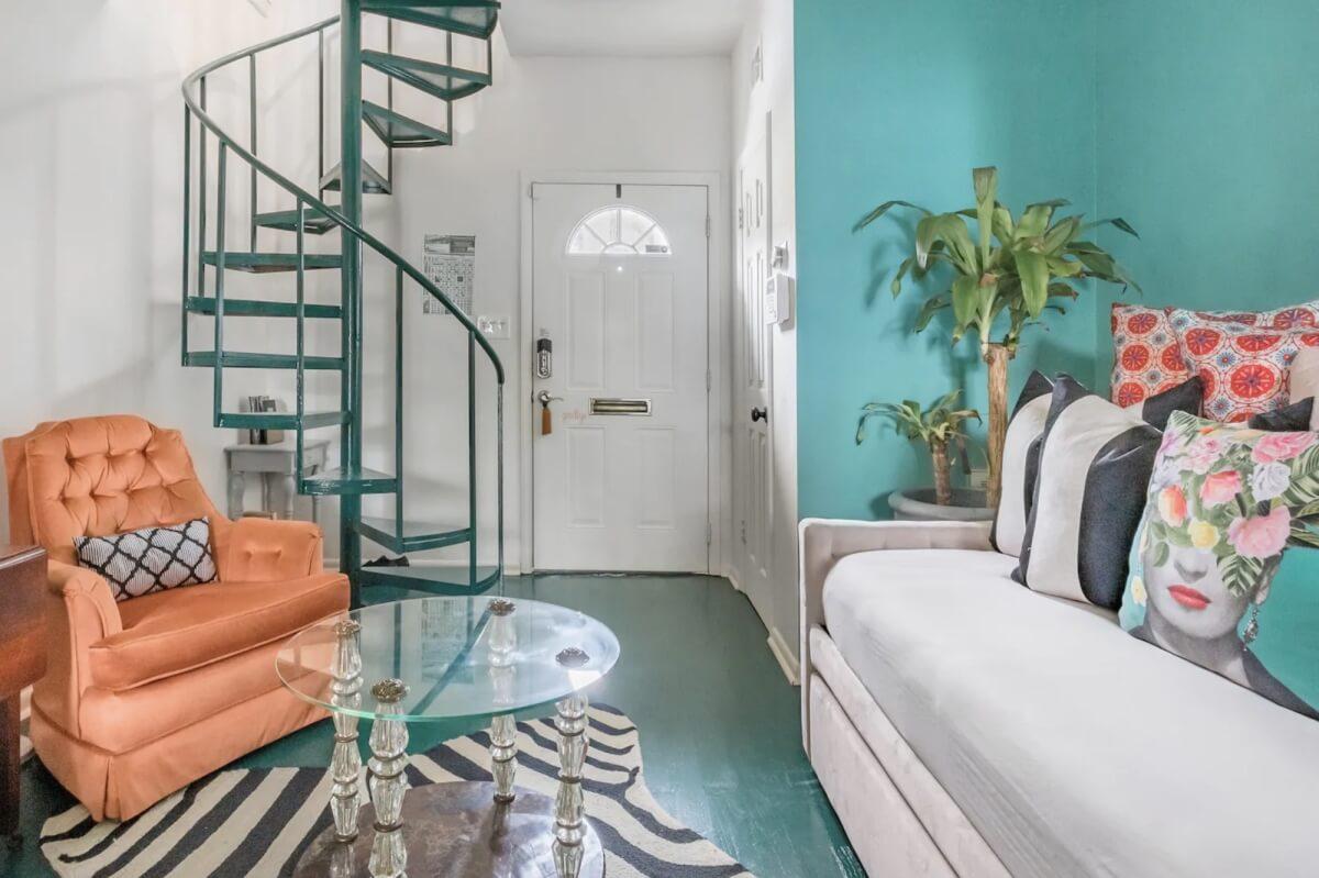 colorful savannah georgia airbnb
