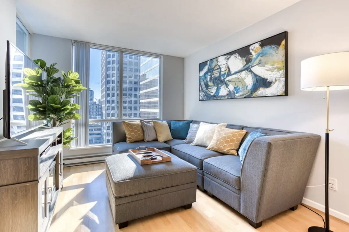 apartment in financial district with great views best airbnbs in vancouver canada