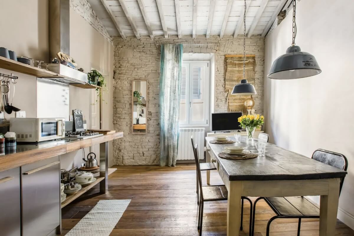 best airbnbs in Florence rustic decor
