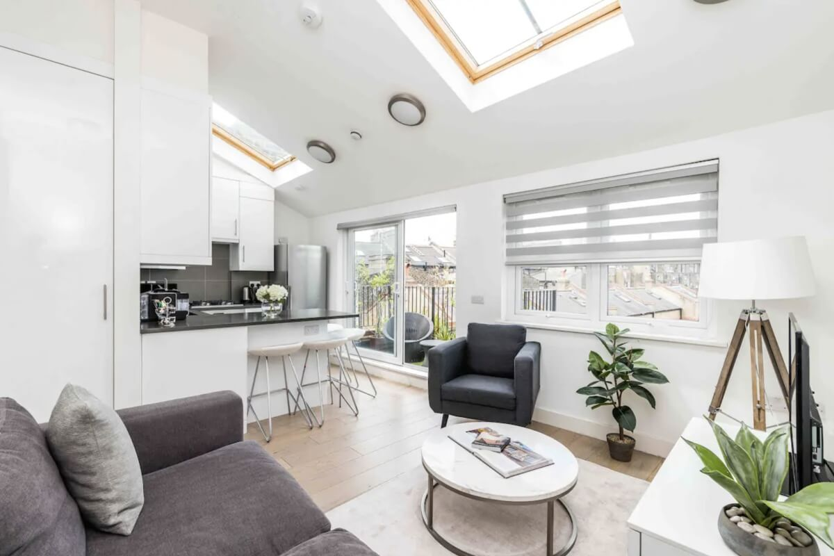 bright and airy apartment located in london airbnb