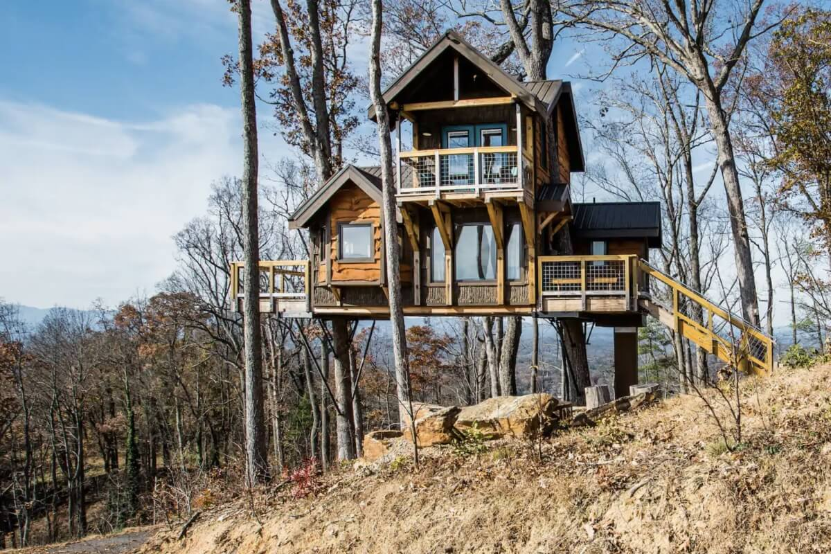 cabin on stils in the woods airbnbs in asheville